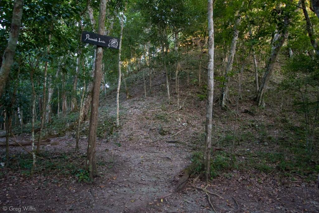 Leon pyramid, Mirador