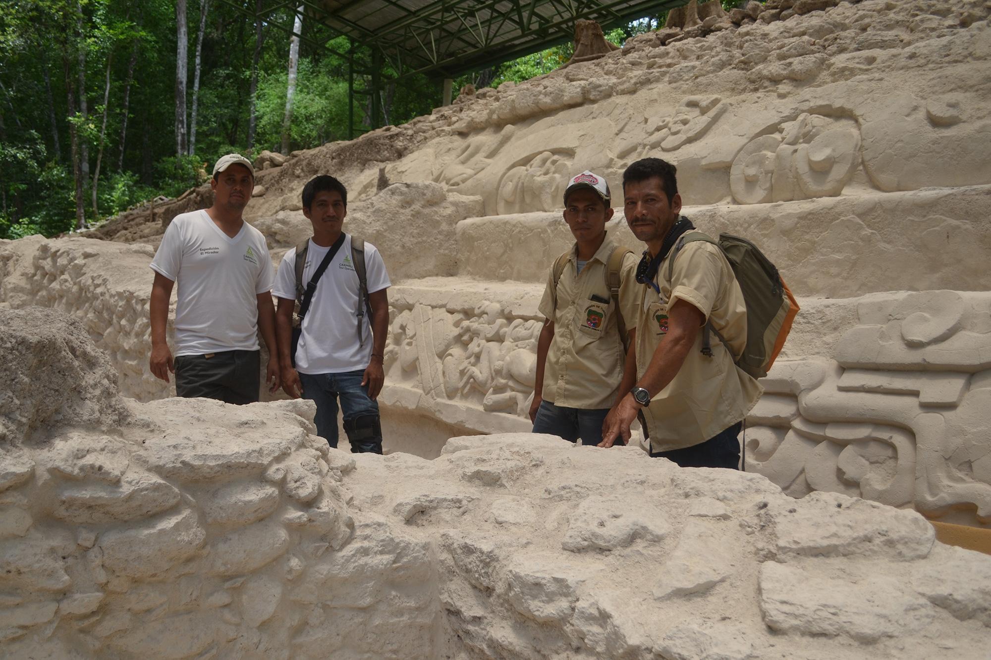Templo Garra de Jaguar, El Mirador